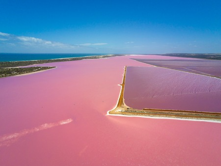 Aerial image of the Pink Lake and Gregory in Western Australia with different concentrations of salt in water Stockfoto