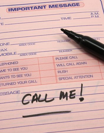 important: Important message notepad with the words Call Me! written on it Stock Photo