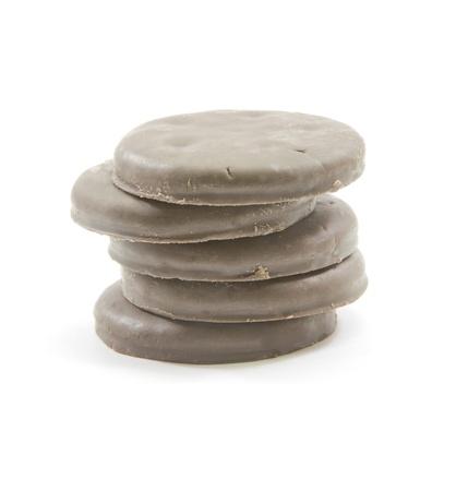クッキーにうず高く積まラウンド薄いチョコレートミントのスタック。