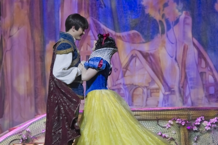 GREEN BAY, WI - FEBRUARY 10: Pretty Snow White dancing with Prince Charming in her blue & yellow dress at the Disney Princesses show at the Resch Center on February 10, 2012 in Green Bay, Wisconsin. Stock Photo - 15103548