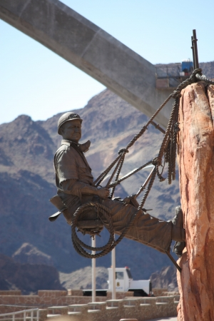 mead: A statue honoring the men who built Hoover Dam.