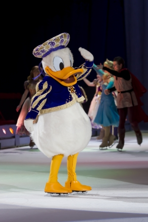 donald: GREEN BAY, WI - MARCH 10: Close up of Waving Donald Duck on skates at the Disney on Ice Treasure Trove show at the Resch Center on March 10, 2012 in Green Bay, Wisconsin.