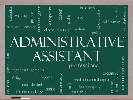 Administratief Medewerker Word Cloud Concept op een schoolbord met grote termen als professioneel, secretaresse, uitvoerende en meer. Stockfoto