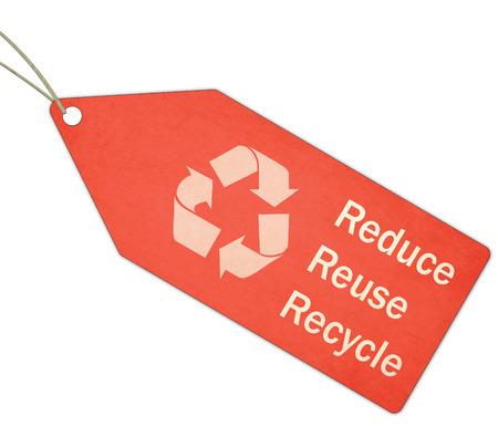 reduce reutiliza recicla: A texturizado rojo y blanco Reduzca la reutilizaci�n reciclan Red Tag y Cadena haciendo un gran concepto. Foto de archivo