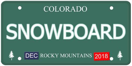 Een nep Colorado kenteken met het woord SNOWBOARD het maken van een geweldig concept. Rocky Mountains op de bodem. Stockfoto