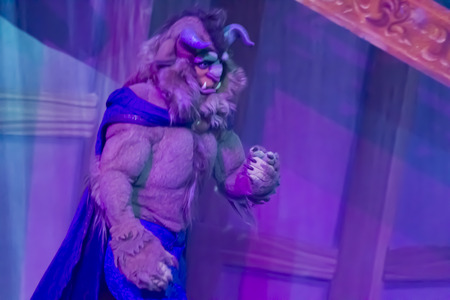 GREEN BAY, WI - FEBRUARY 10: The Beast from Beauty and the Beast at the Disney Princesses show at the Resch Center on February 10, 2012 in Green Bay, Wisconsin. Publikacyjne