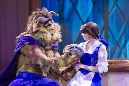 GREEN BAY, WI - FEBRUARY 10: The Beast and Belle from Beauty and the Beast at the Disney Princesses show at the Resch Center on February 10, 2012 in Green Bay, Wisconsin. Publikacyjne