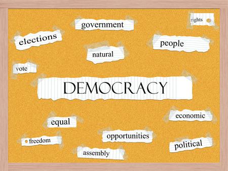 democracia: Democracia Corkboard Palabra Concepto con los términos tales como el gobierno, la gente, los derechos y más.