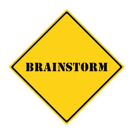 Een gele en zwarte diamant vormige verkeers bord met het woord BRAINSTORMING het maken van een geweldig concept. Stockfoto