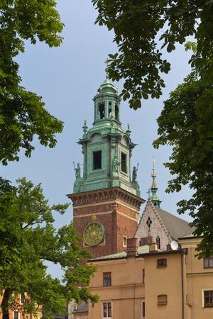 vista em torre do rel Editorial