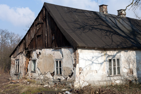 ru�nas da antiga casa rural desabitada