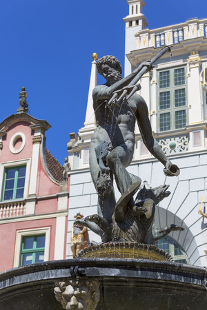 Neptunes Fountain Statue at Long Market  Street by the entrance to Artus Court, Gdansk, Poland Stockfoto
