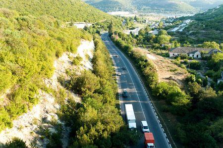 turnpike: vista de p�jaro en Crimea turnpike  Foto de archivo