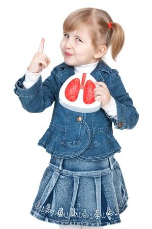joven fumando: ni�a con pulmones en mano
