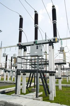 the switch: parte della sottostazione di alta tensione con interruttori e sezionatori