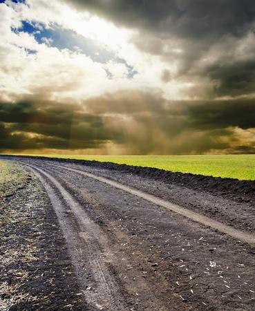 rural road to horizon photo