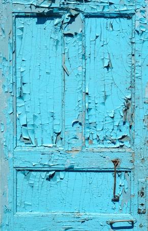 fissurés ancienne porte peinte en bleu