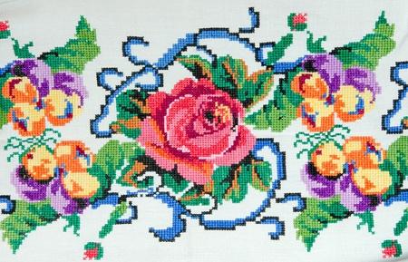 gestickt: bestickte gut durch Kreuzstich-Muster. ukrainischen ethnischen Ornament Lizenzfreie Bilder