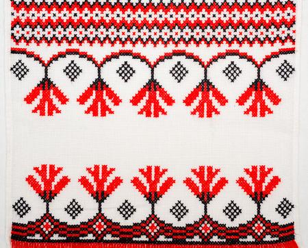 geborduurde goed door kruissteek patroon. Oekraïense etnische ornament