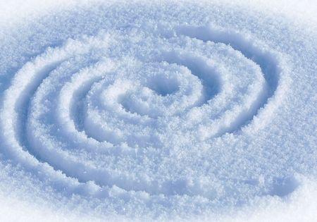 The spiral labyrinth on a snow. Zdjęcie Seryjne - 7563731