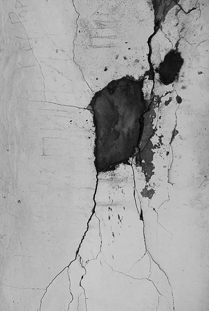 The cracks on the wall close-up. Black and white. Stock Photo - 9966796