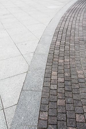 road paving: El fragmento de un pavimento.