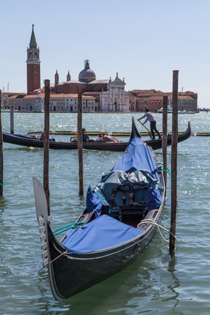 hollidays: gondola in Venice
