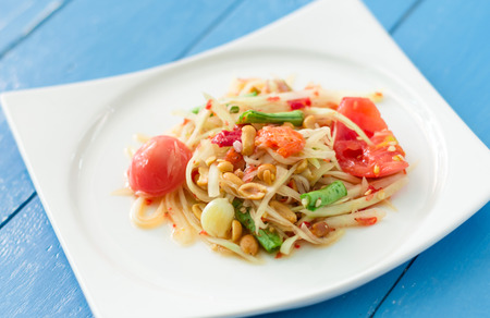 Thai Spicy papaya salad with tomato 版權商用圖片