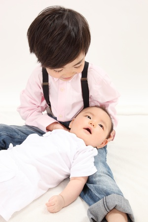 baby 4 5 years: Asian children have a baby