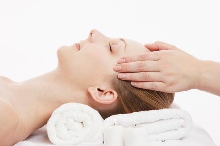 Giovane donna caucasica massaggio del viso Archivio Fotografico - 14697061
