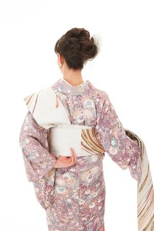 日本の若い女性服着物