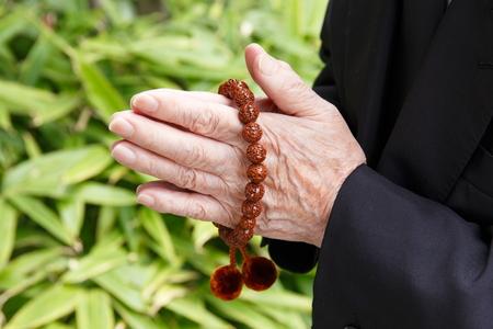bouddhisme: Rituel de bouddhisme japonais Banque d'images