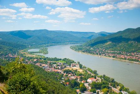 ハンガリーのドナウ川ビュー