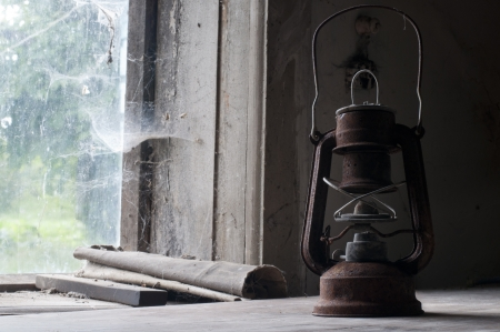 an oil lamp: Candil