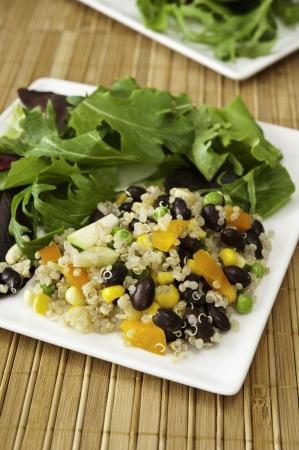 キノアのサラダと野菜のプレート