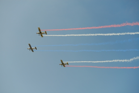 piloting: airplanes on airshow