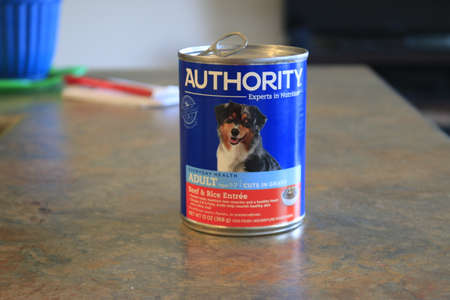 June 09 2020, London Canada: Editorial illustrative photo of Authority dog food. Authority is a PetSmart brand of food. 報道画像