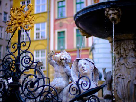 Details van de fontein van Neptunus in Gdańsk, indrukken van Gdańsk (Danzig in het Duits) een havenstad aan de Baltische kust van Polen Stockfoto