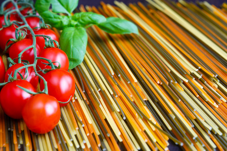 Colored spaghetti pasta with herb Banque d'images