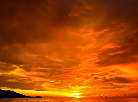 coucher de soleil: Coucher de soleil dans Patong au sud de la Tha�lande