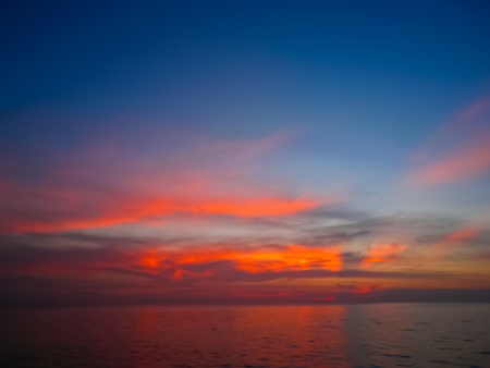 Tropical sunset in South of Thailand Stock Photo - 8850628