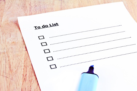 Empty to do list paper note on wood Stock Photo - 18026234