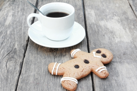 Gingerbread men and coffee Stock Photo - 24524995