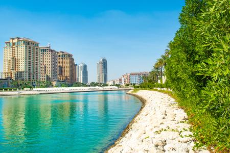 Qatar Beach side Residences in Qatar - the most famous island of Qatar Standard-Bild - 126027257