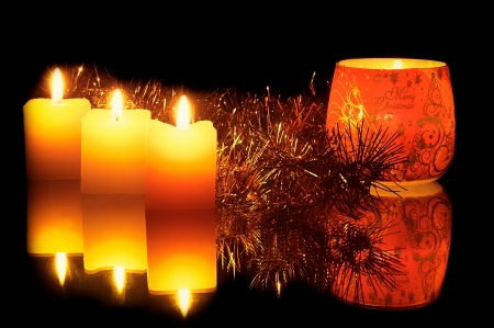 inscriptions: View of a Christmas candle in glass with inscriptions