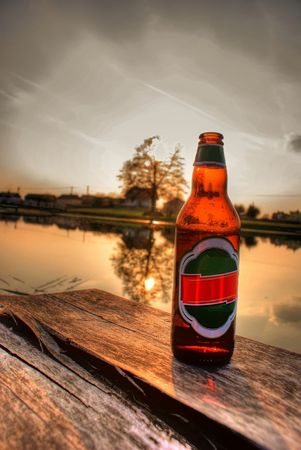 bootle: This is a bottle of beer staying on the jetty.