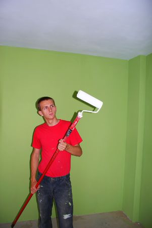 primer: This is a man keeping the painbrush.