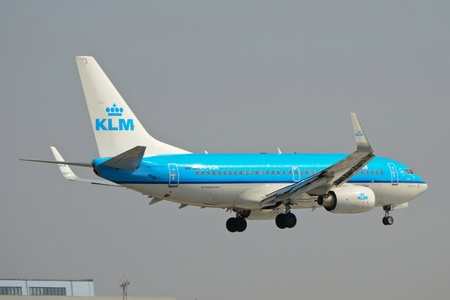 nederland: This is a view of KLM plane Boeing 737-700 registered as PH-BGN on the Warsaw Chopin Airport. April 11, 2015. Warsaw, Poland.