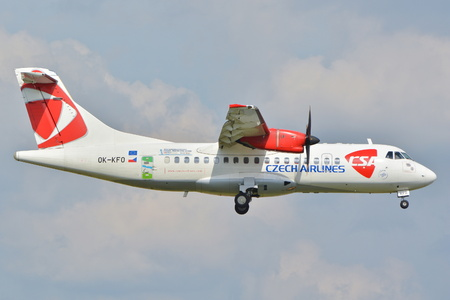 warsaw chopin: This is a view of Czech Airlines ATR 72 plane registered as OK-KFO on the Warsaw Chopin Airport. September 16, 2015, Warsaw, Poland.
