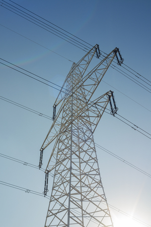 electric grid: Electric power transmission, high power line